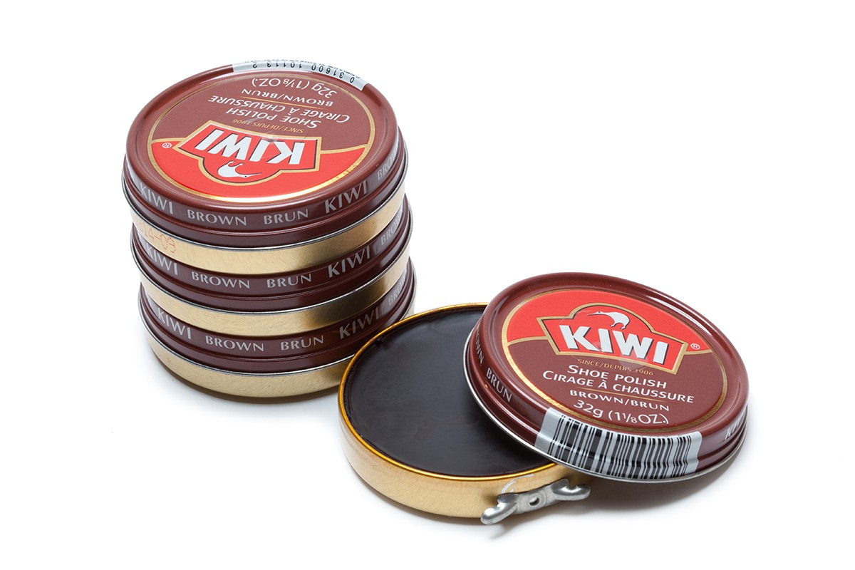 shoe polish Polish your shoes properly dear readers, alas, here is the content that you have all been waiting for as you will see, i have written it in detailed form as well as provided an instructional video at the very bottom of this post, of which both will hopefully allow you to learn how to shine your shoes properly.